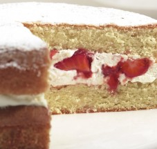 FB-Strawberries-Cream-Sponge-HR