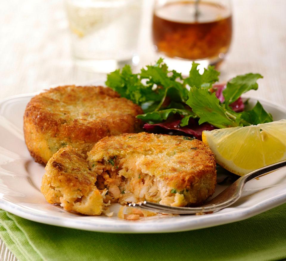 Lemon and Pesto Fishcakes with Pesto Tartare Sauce