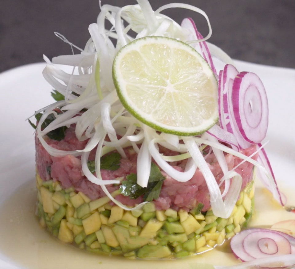 Beef tartare with avocado