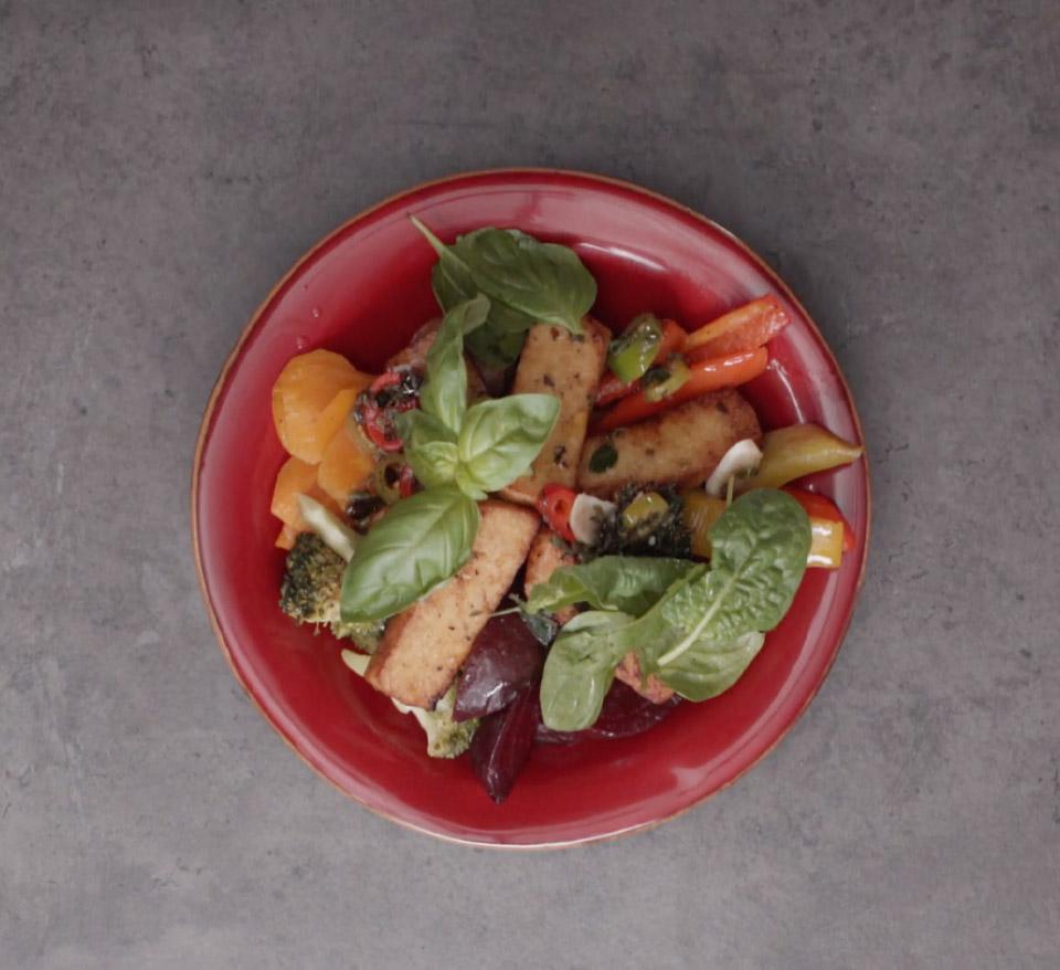 Buddha Bowl with vegan sauce